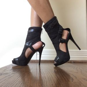 Report Signature Black Suede and Leather Boots
